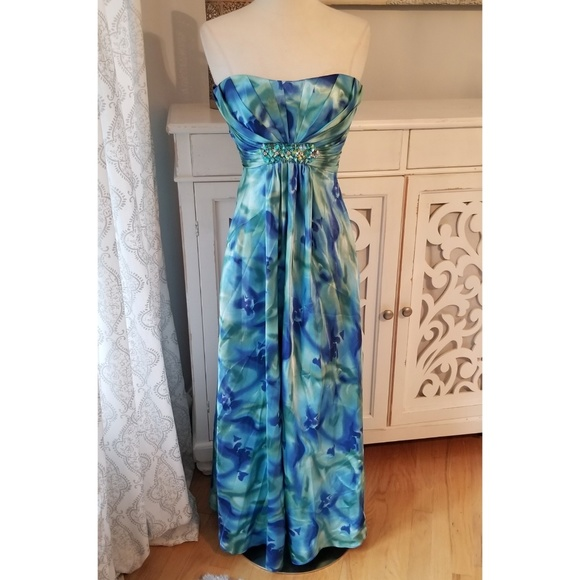 Cache Dresses & Skirts - Cache Full Length Strapless Gown w/ Embellishments